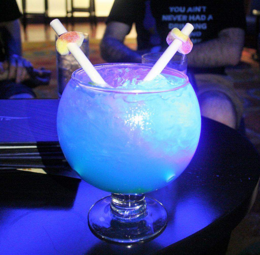 monorail pub crawl - Disney in your Day