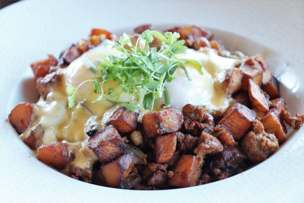 Topolino's Terrace character breakfast - spicy sausage hash